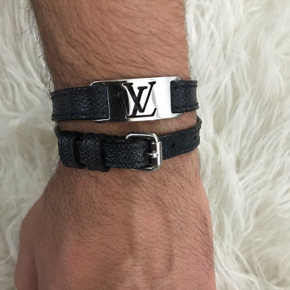 c39c2442d64 Louis Vuitton men's sign it bracelet